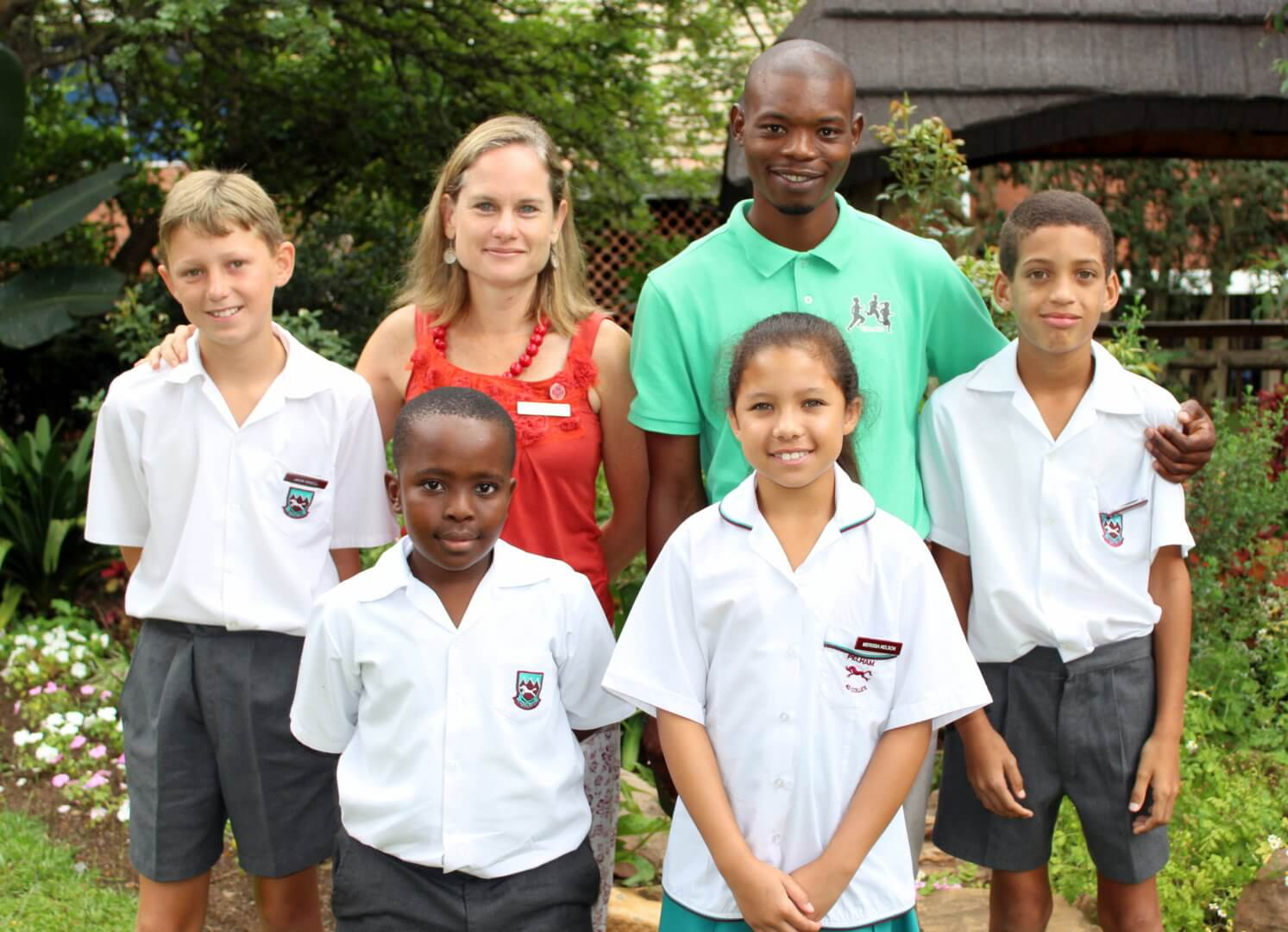 Picture from left to right (back): Jack Odell, Mrs Rebecca Shultz (Trustee Eden Kids), Mr Nhlakanipho Gazu (Director Eden Kids) and Aaron Lewis Left to right (front): Masibonge Shabalala and Merissa Nelson